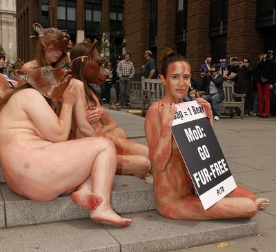 Peta-nudi-per-protesta